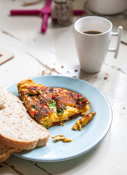 Kale and sweet pepper omelet